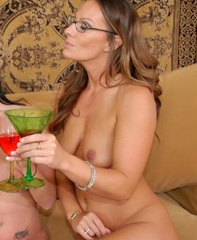 Mother cameron nude, nudde beautiful seexy hot teen girls gifs